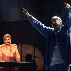 Eminem and Elton John Performing Stan at Grammys 2001 004