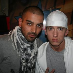 Eminem with People 001