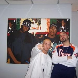 Eminem with People 028